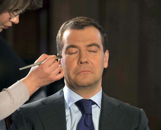 Когда правительство Медведева уйдет в отставку? Версия.