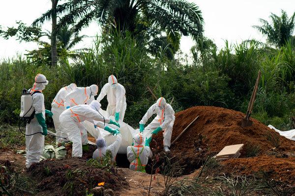 Una víctima del brote de ébola que fue enterrada el domingo en Beni, República Democrática del Congo