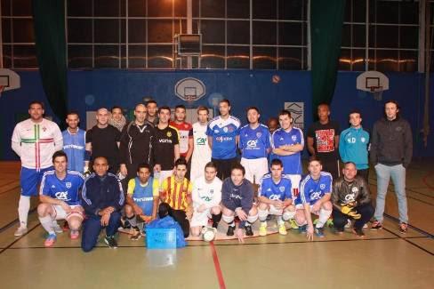 Creuse-Maghreb et Sostra Futsal, ensemble avant le match qui a vu la victoire des Guérétois 6 - 3. - Aupetit Dominique
