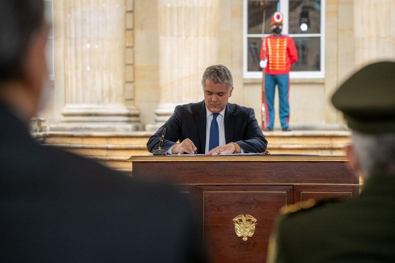 ivan-duque-gobierno-juega-peligro-democracia-julian-bonilla-1170x780