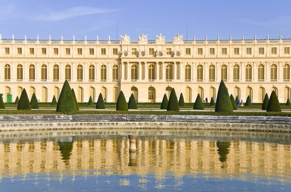 Palácio de Versalhes abre concorrência para abrigar hotel com vista para o  jardim