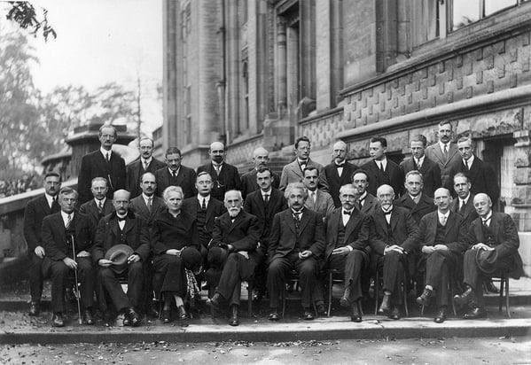 1024px-Solvay_conference_1927_Version2