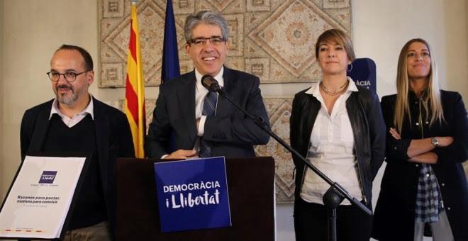 El cabeza de lista de Democràcia i Llibertat, Francesc Homs, junto a Carles Campuzano, Lourdes Ciuró y Miriam Nogueras./ EFE