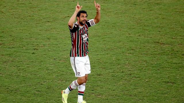 Fluminense arranca empate com Barcelona graças a gol de Fred
