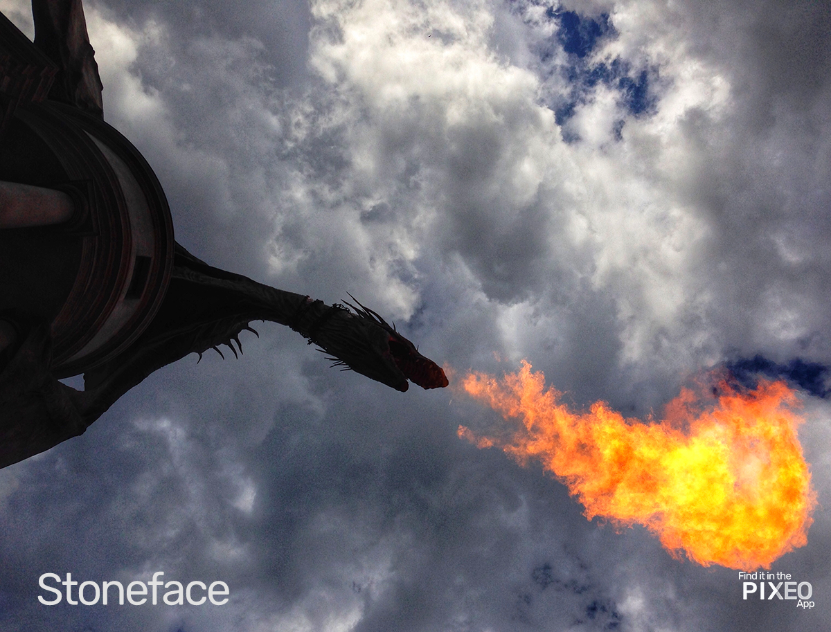 Dragon breathes fire at the Wizarding World of Harry Potter Photo Location