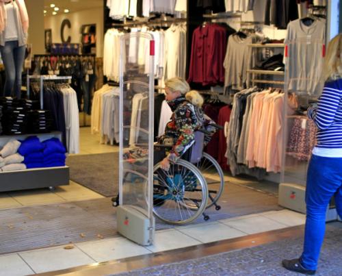 Muitos consumidores com deficiência só fazem compras em estabelecimentos acessíveis, mesmo que o concorrente tenha ofertas melhores