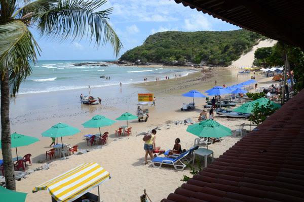 Praia de Ponta Negra: apesar de dificuldades na cidade, o turista vai embora satisfeito com a viagem, aponta pesquisa da Consult