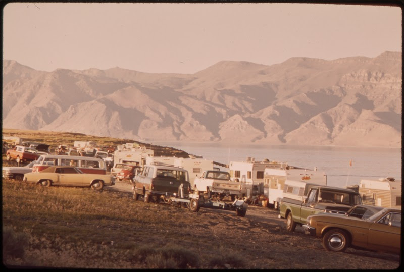 File:PYRAMID LAKE BEACH ON MEMORIAL DAY WEEKEND - NARA - 553133.tif