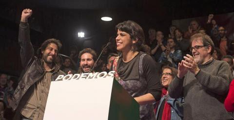 Teresa Rodríguez, durante su discurso de valoración de los resultados electorales. EFE/Rafa Alcaide