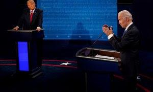 Joe Biden responde a una pregunta mientras el presidente Donald Trump escucha durante el segundo y último debate presidencial en el Curb Event Center de la Universidad de Belmont en Nashville. Morry Gash / Pool / REUTERS