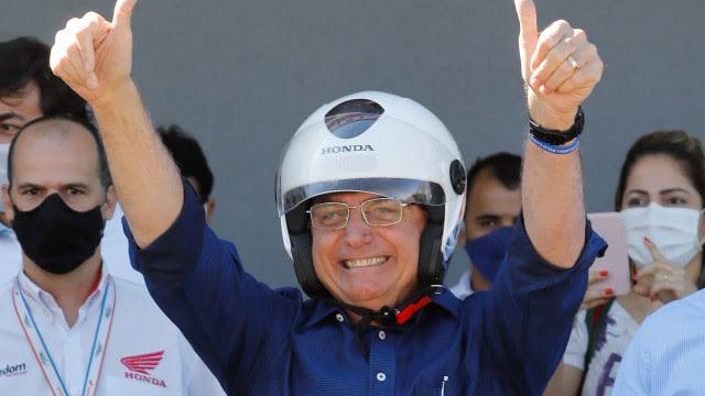 Bolsonaro é acusado em Haia de crimes contra a humanidade