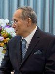 220px-Rama_IX_of_Thailand_and_Barack_Obama,_2012_cropped
