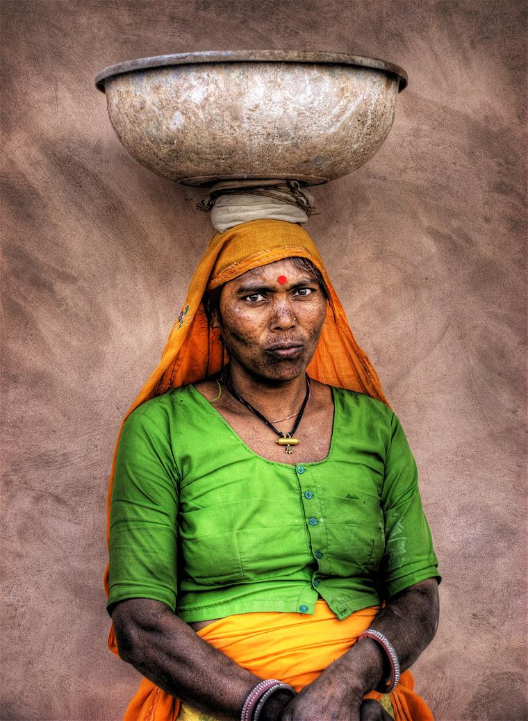 http://chicquero.files.wordpress.com/2012/03/international-womens-day-chicquero-indian-2.jpg?w=800