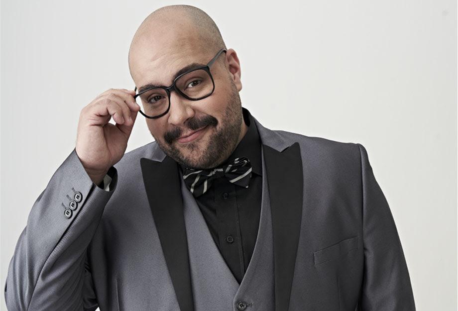 Tiago Abravanel leva alegria e descontração para apresentação única no Festival Cortinas Abertas