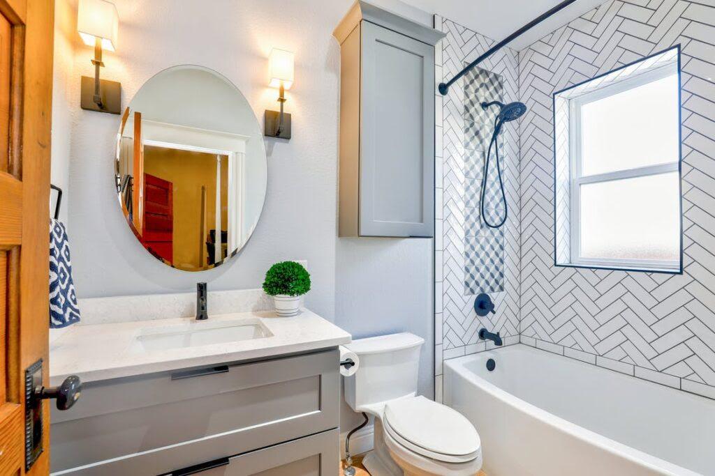 Cómo organizar tu economía y construir el baño
