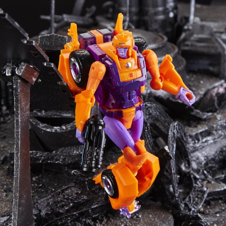 Image of Transformers Generations Selects Deluxe Lancer - Exclusive (RE-STOCK)