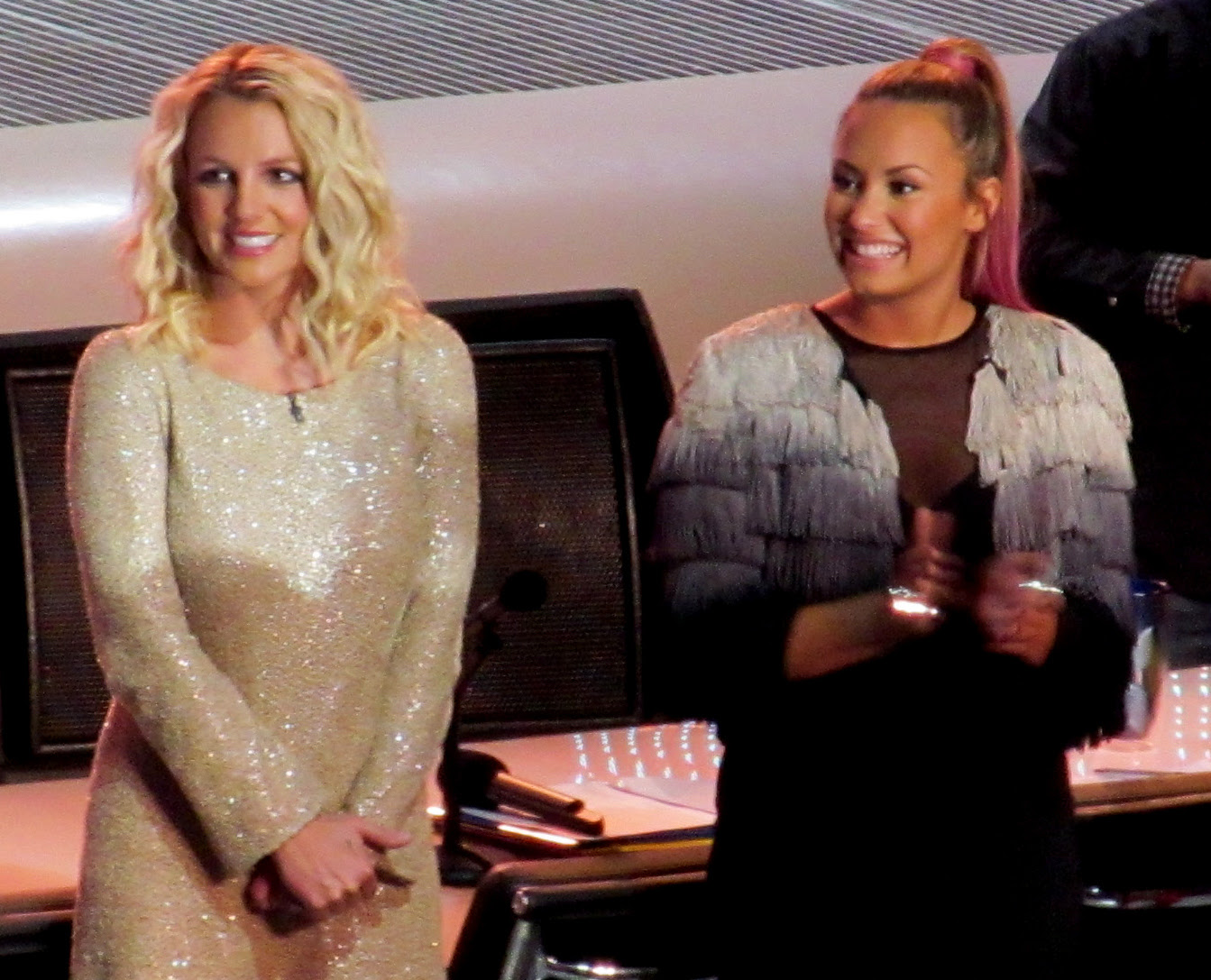 Britney_Spears,_Demi_Lovato_X-Factor_2012