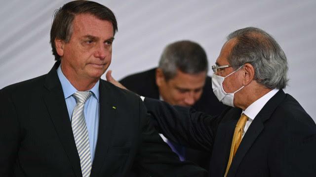 'Brasil quebrado' deu reajuste a policial e cortou tributo de arma