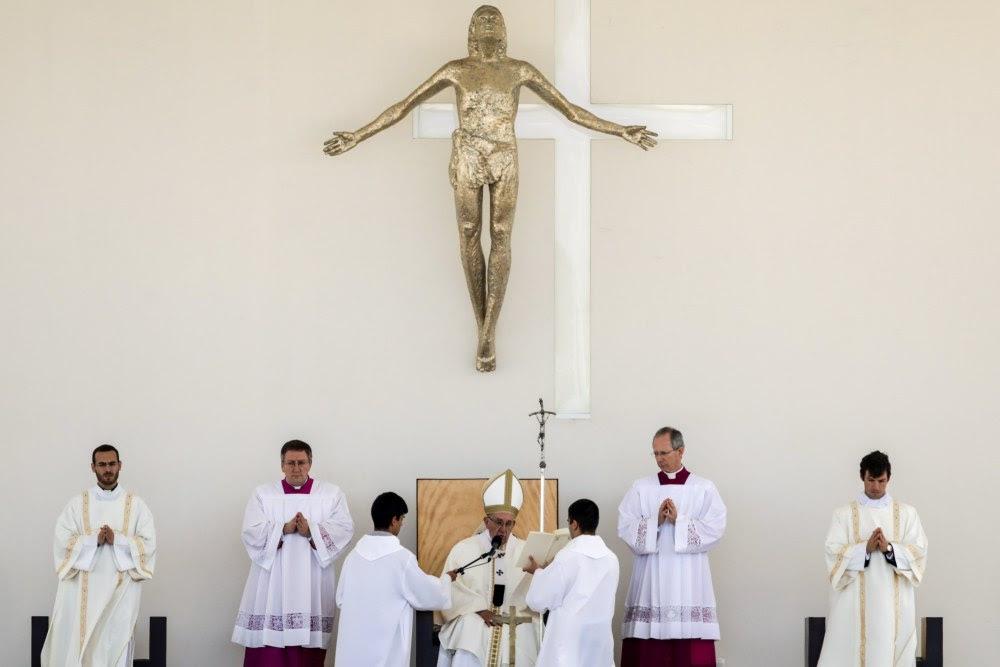 Znalezione obrazy dla zapytania franciszek w Fatimie