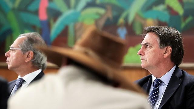 Bolsonaro durante una reunión con parlamentarios del estado de Mato Grosso, donde los incendios destruyeron casi todas las tierras indígenas - Créditos: Marcos Correa