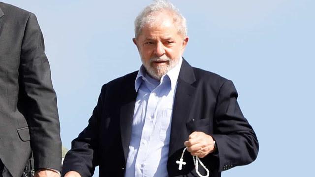 Defesa de Lula vai apresentar pedido de imediata soltura nesta sexta