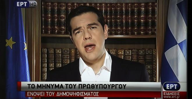 El primer ministro griego, Alexis Tsipras, durante su mensaje en televisión. - REUTERS