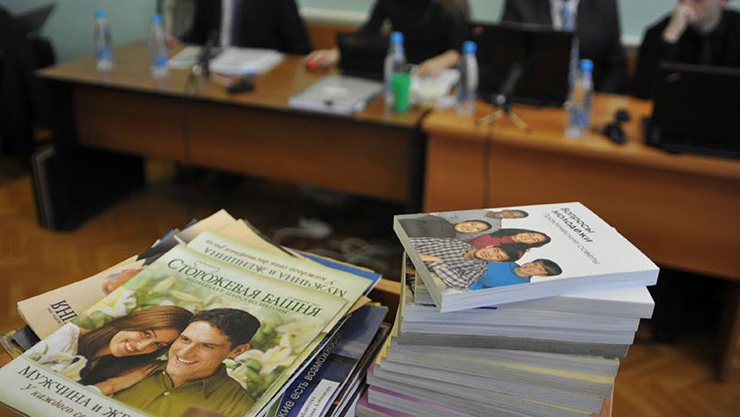 Rusia detiene a varios testigos de Jehová y condena a un miembro danés: ¿Por qué?