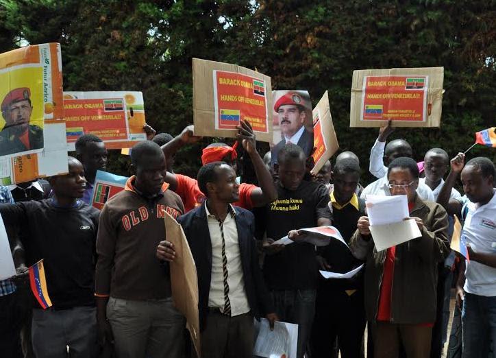 En Kenia marcharon y firmaron en contra del Decreto de Obama