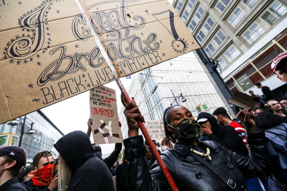 La marcha contra el asesinato de George Flyd en Belin atrajo multitudes y se replicó en distintas partes del mundo.