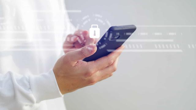 Como o Pegasus invade celulares mesmo se o usuário não fizer nada