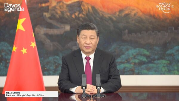 """习近平今年1月在世界经济论坛发表讲话时,谴责某些国家""""搞新冷战""""。"""
