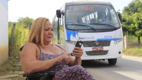 Teodora Lúcia, de 53 anos, moradora do Jardim Bom Retiro, ajudou a implantar o aplicativo