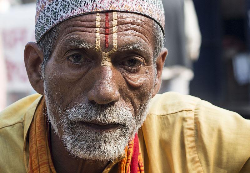 Hindu Brahmin priest in Kathmandu, Nepal. (Wikipedia, Ksssshl)