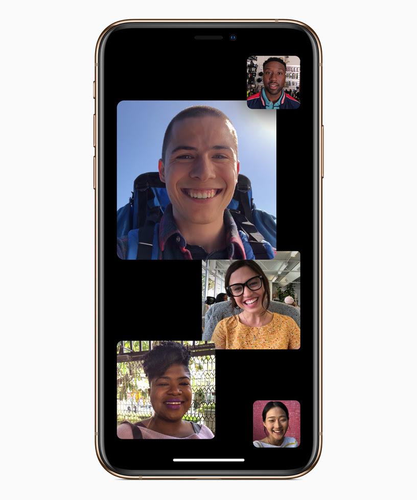顯示 5 個人的「群組 FaceTime」畫面。