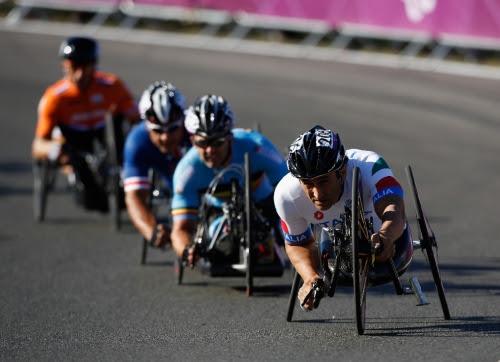 O ciclismo Paralímpico se popularizou na década de 80, mas era restrito a competidores com deficiência visual