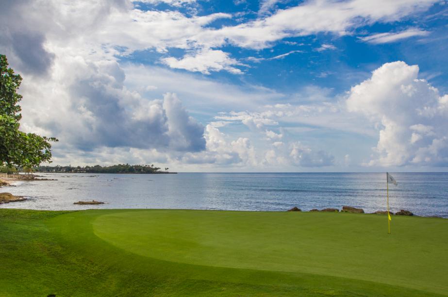 dominican golfing