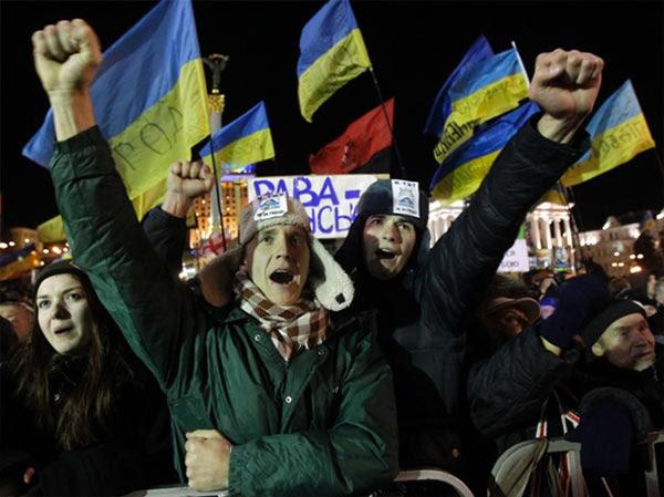 Maidan_Fists.jpg