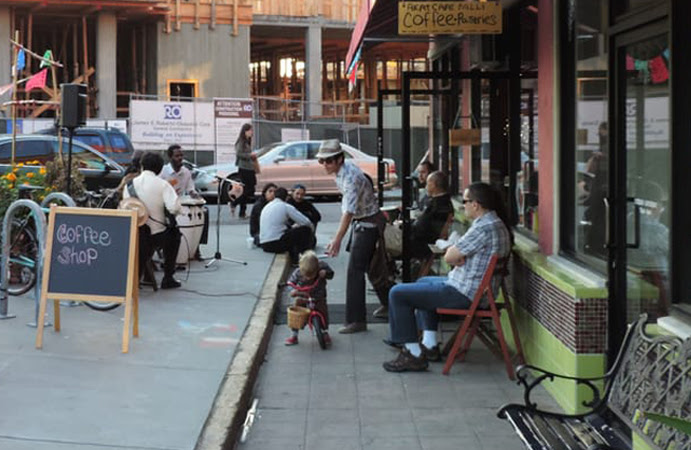 akat_cafe-exterior.jpg