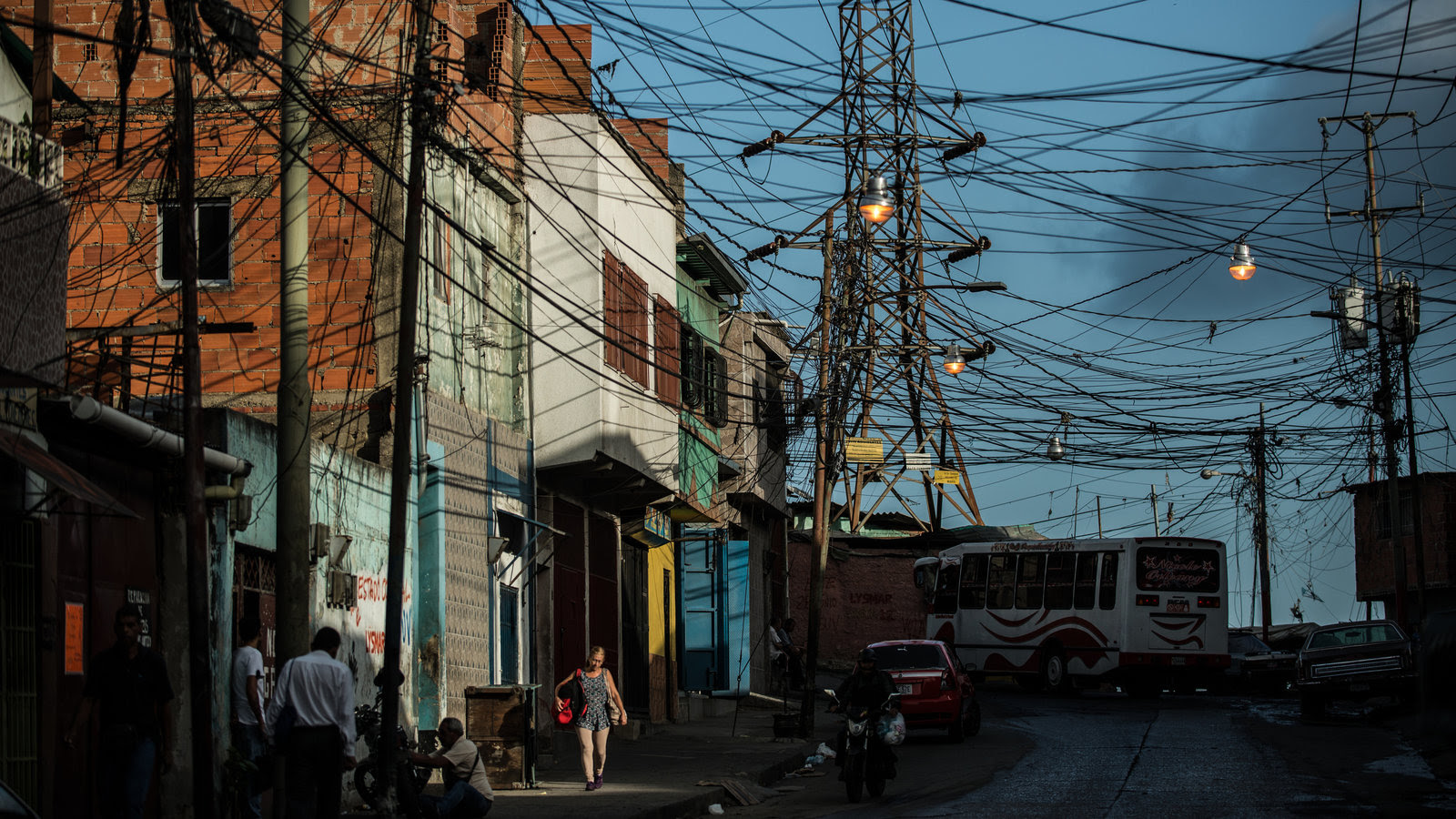Venezuela Drifts Into New Territory: Hunger, Blackouts and Government Shutdown