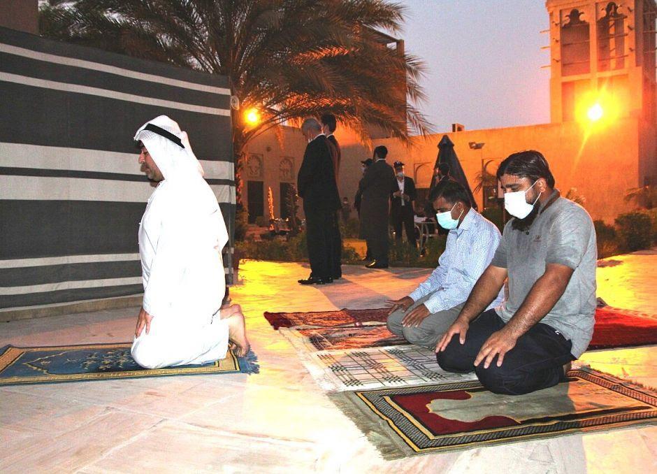 Musulmanes y judíos en la visita al Museo Crossroad of Civilizations en Dubái