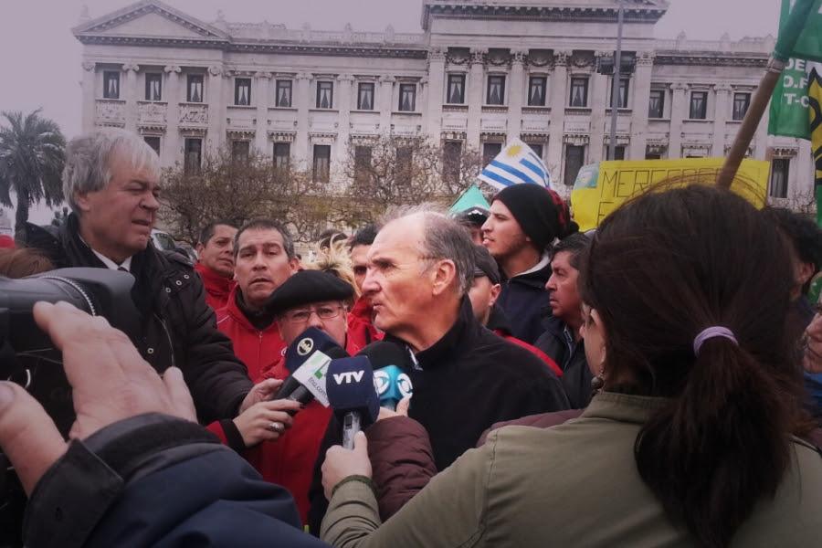 """Richard Read (FOEB): """"No es gimiendo, es peleando y sólo nos queda la pelea y la unidad"""""""
