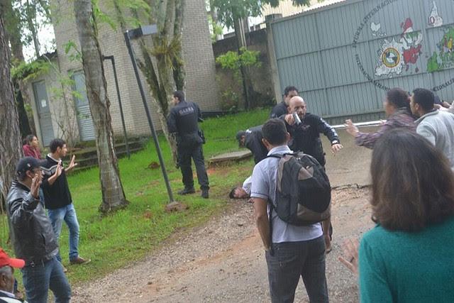 Policiais civis invadem Escola Nacional Florestan Fernandes - Créditos: Reprodução/ MST