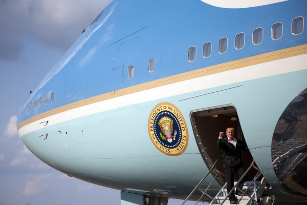 President Trump boarding Air Force One on Saturday in Lake Charles, La.