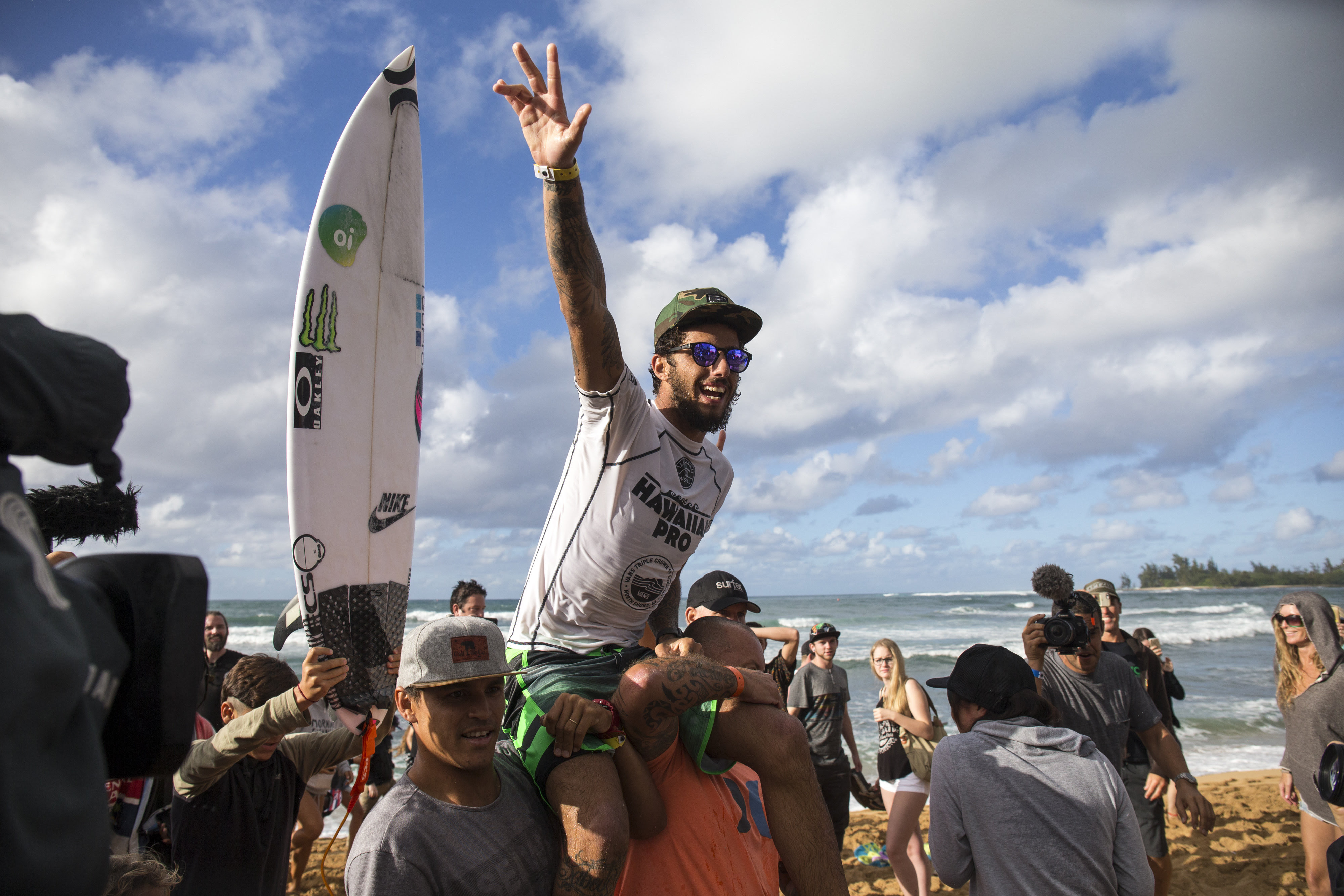 9d86658dbd FILIPE TOLEDO FIRST BRAZILIAN WINNER AT HAWAIIAN PRO