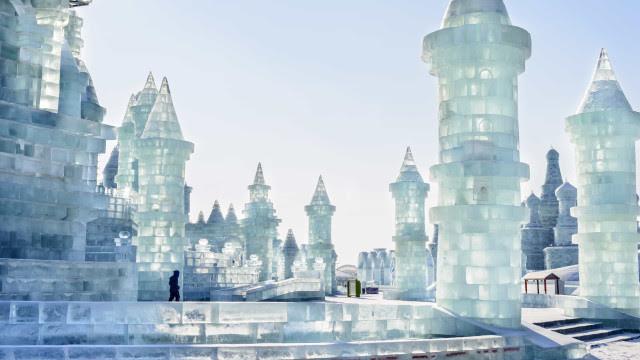 Faça uma viagem pelos festivais de inverno do mundo inteiro