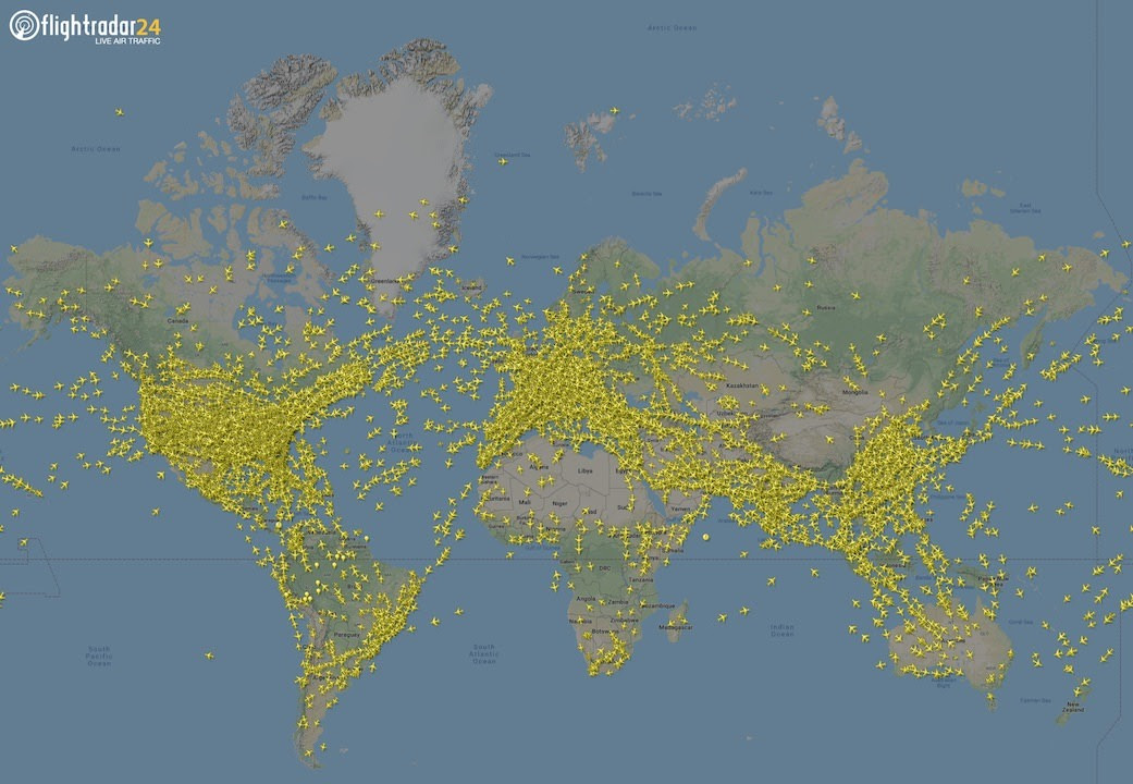 Aircraft in flight on Flightradar24