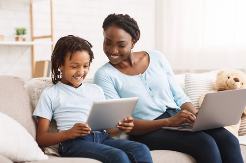 10 at-home learning tips teachers can share with caregivers
