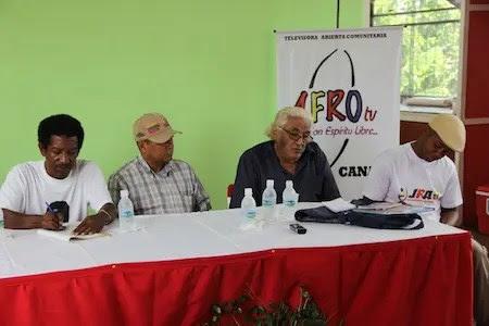 (De izquierda a derecha)  Luis Perdomo (Afrotv). alcalde Wilson Dager, Dr.Luis Bigott (vicerrector académico de la UBV) y Freddy Pollito Blanco