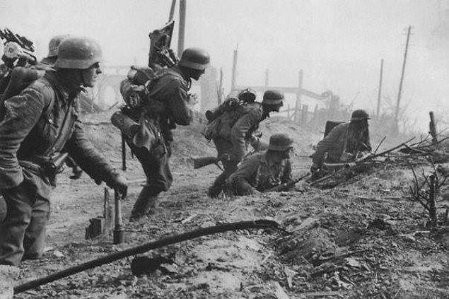 Кстати, средняя продолжительность жизни солдата в                   Сталинграде составляла 24 часа.