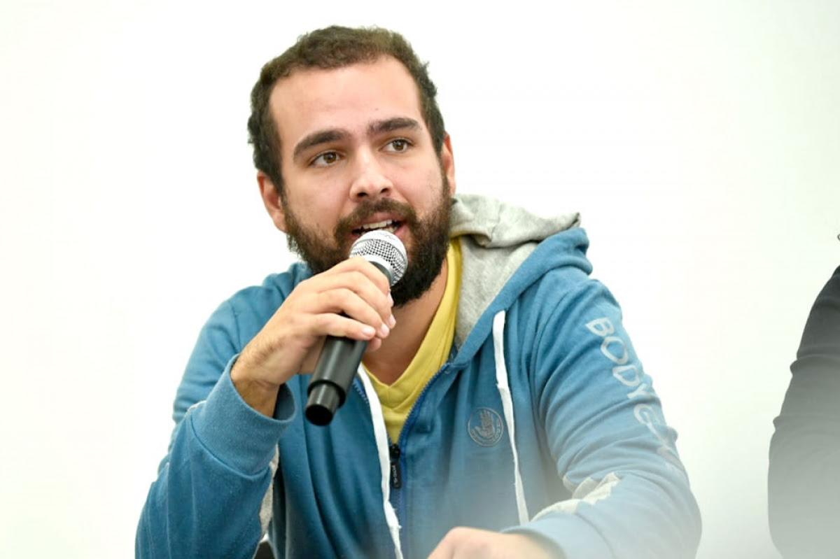 """Mauro Conti (FEUU): """"La educación pública está en peligro"""""""